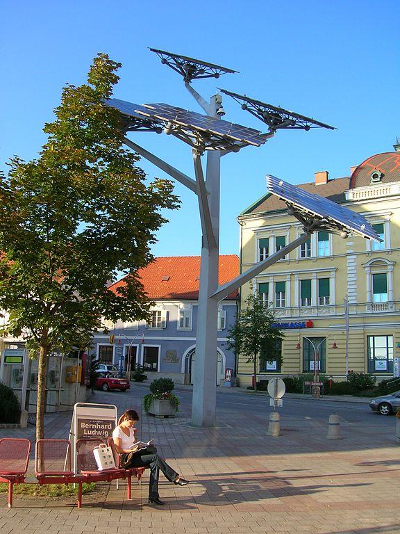 576px-Gleisdorf.Solarbaum