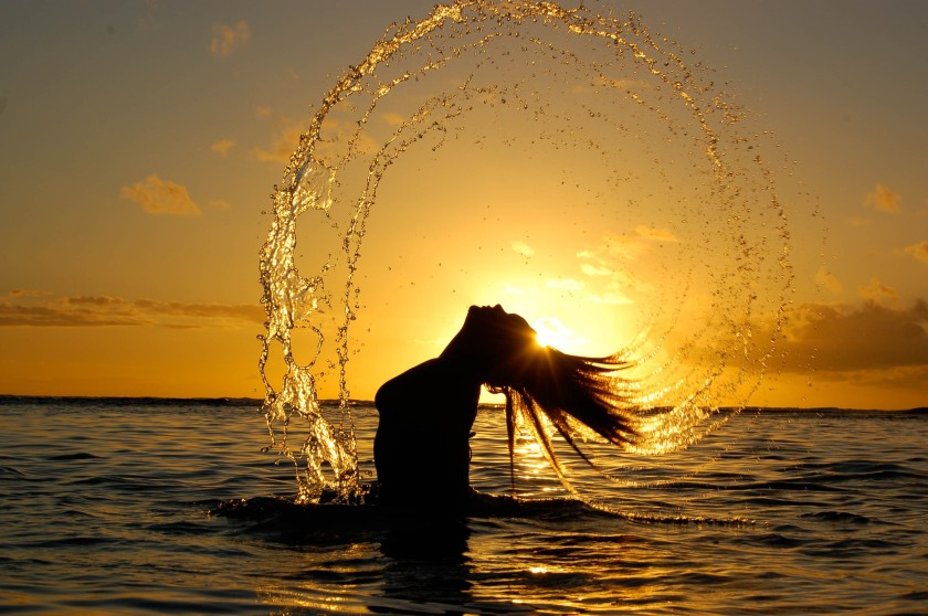 Girl-sun-sea